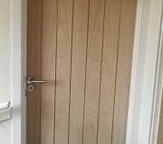 Oak Cottage style internal doors with T-bar style chrome handles